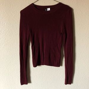🚚 H&M Burgundy Sweater with hip detail